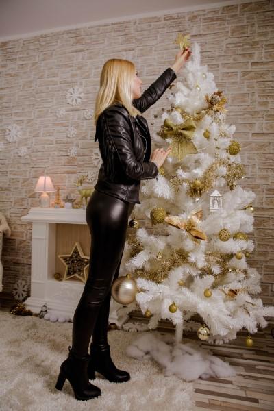 Karácsonyi dekorációt